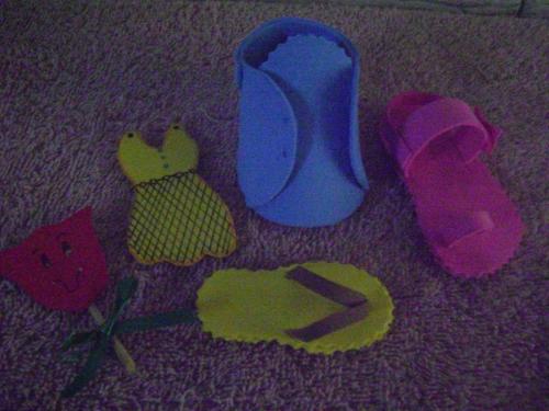 Sandalias de bebé en foami - Imagui