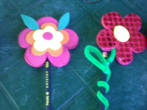 Flores en foami decoradas - Imagui