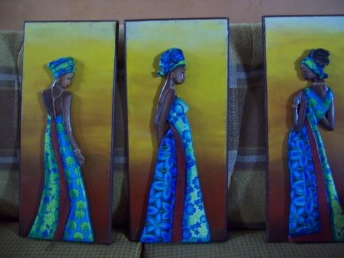 Imagen triptico de africanas - grupos.emagister.com